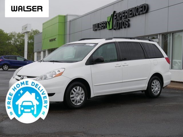Pre-Owned 2010 Toyota Sienna